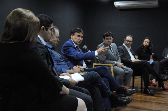 Governo quer economizar R$ 150 milhões com gastos públicos
