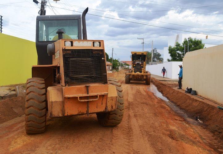 Prefeitura de Campo Maior inicia serviços de pavimentação de ruas