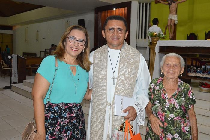 Prefeita Neidinha Lima e Padre Gilvan Dias