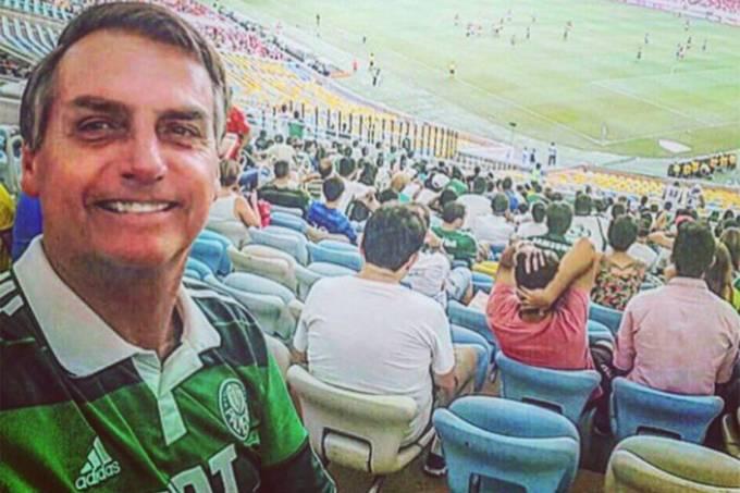 Bolsonaro também já acompanhou jogos do Palmeiras no Maracanã (Twitter/Reprodução)