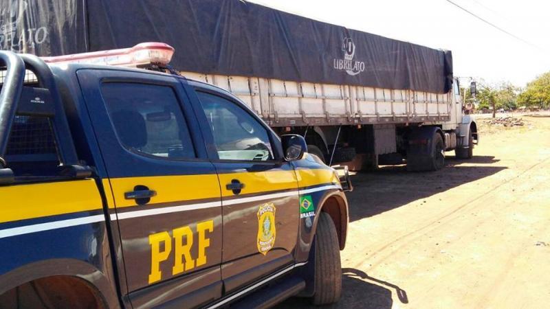 Motociclista morre após colisão frontal com caminhão na BR-222