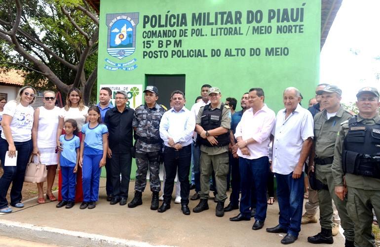Prefeito Professor Ribinha realiza entrega de Posto de Policiamento