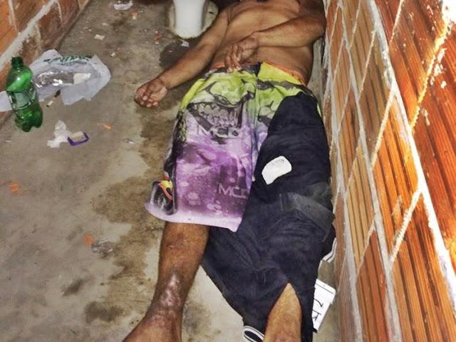 Homem sofre overdose após roubar cordão de ouro e trocar por droga