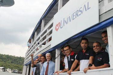 "IURD inaugura ""igreja flutuante"" para percorrer comunidades no Amazonas"