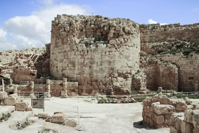 Anel de Pôncio Pilatos é descoberto perto de Jerusalém
