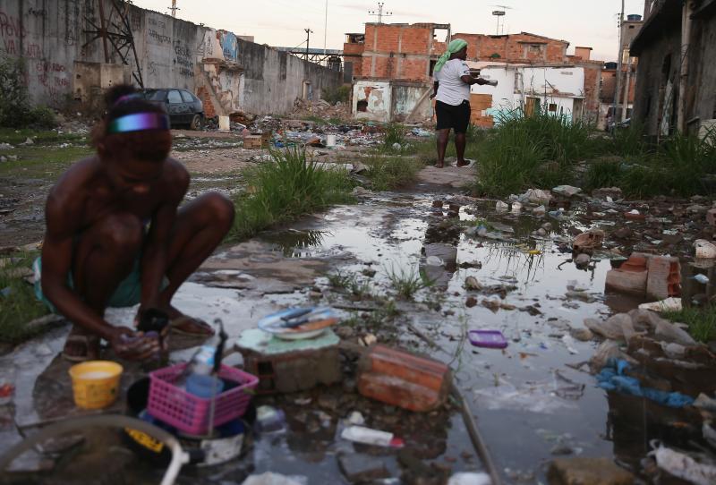 Pobreza aumenta e atinge 15,3 milhões de brasileiros