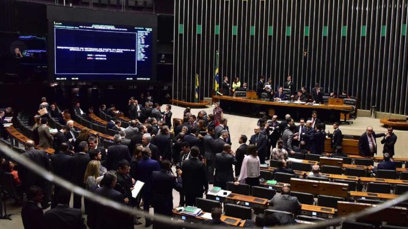 Câmara aprova fim de punição para municípios que estourarem gastos