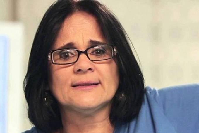 Bolsonaro indica pastora Damares Alves para ministério