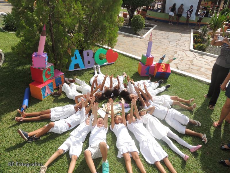 Ensaio fotográfico com crianças do ABC da creche M. Deputado Abraão Gomes