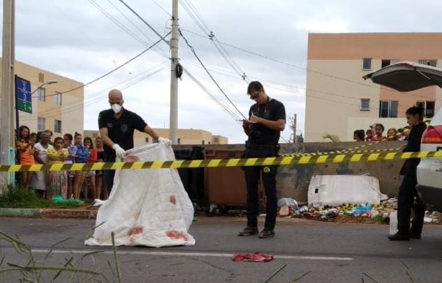 Bebê de 9 meses é encontrado morto em contêiner de lixo