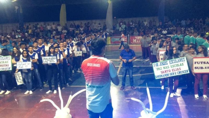 Multidão comparece ao Ginásio Poliesportivo para prestigiar abertura do XVII Jogos Escolares