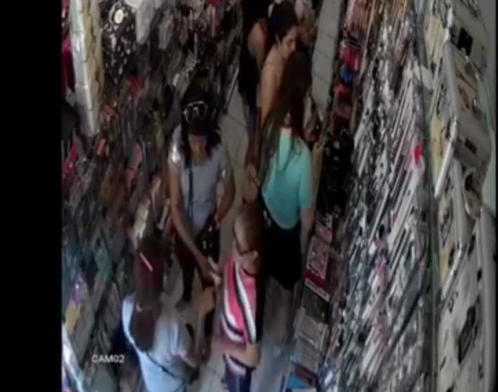 Mulheres são flagradas roubando produtos de loja em Teresina