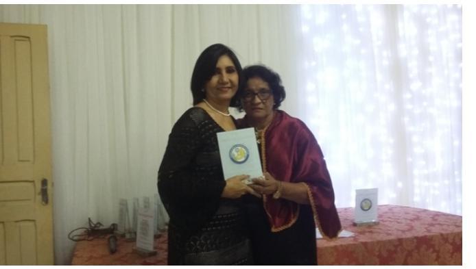 Prefeita Ceiça Dias participa de aniversário de academia de letras
