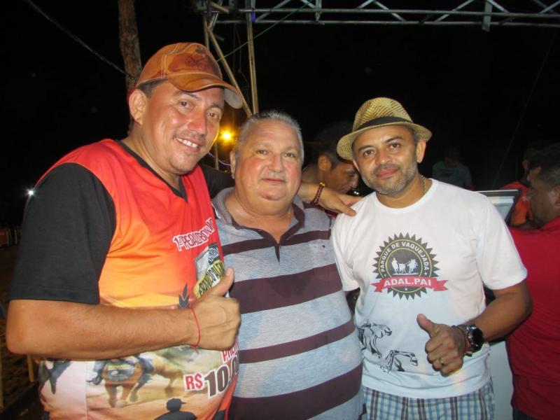 Prefeito de Lagoinha participa da primeira 'Pega de Gado' em Agricolândia