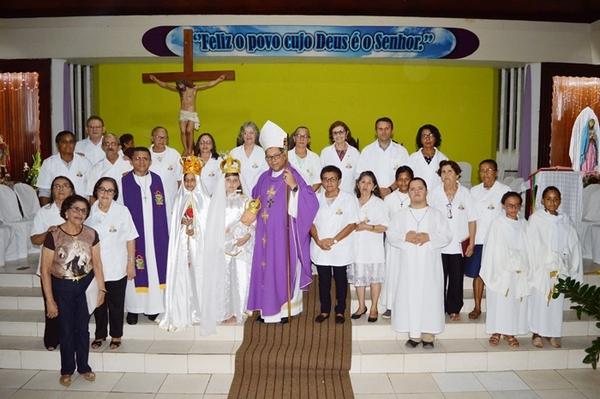 Dom Edivalter Andrade celebra no Novenário de Guadalupe