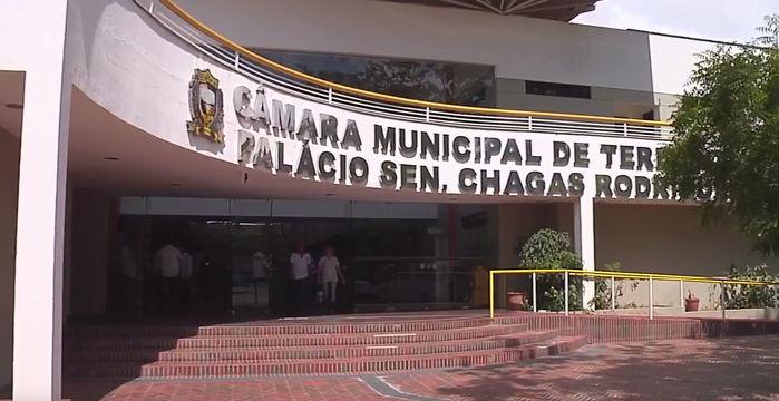 Antecipação da eleição da mesa diretora da Câmara de Teresina causa confusão