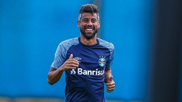 Léo Moura se declara ao Flamengo e sonha com retorno