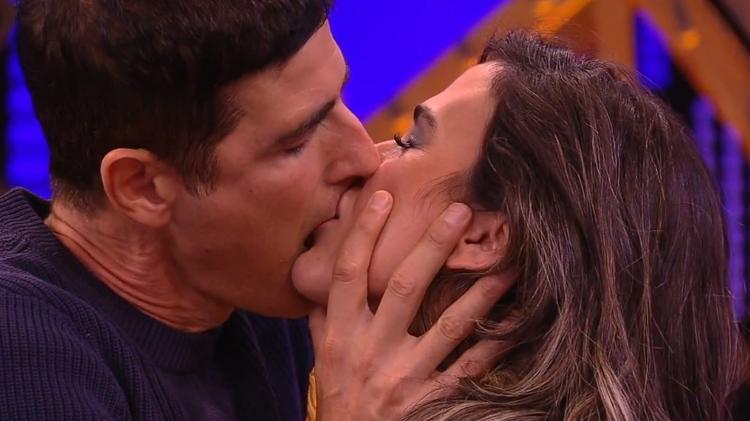 Reynaldo Gianecchini propõe relação a três com dois atores da Globo
