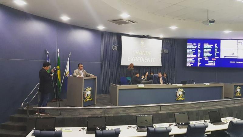 'Lei do Uber' é aprovada em meio a protestos na Câmara de Teresina