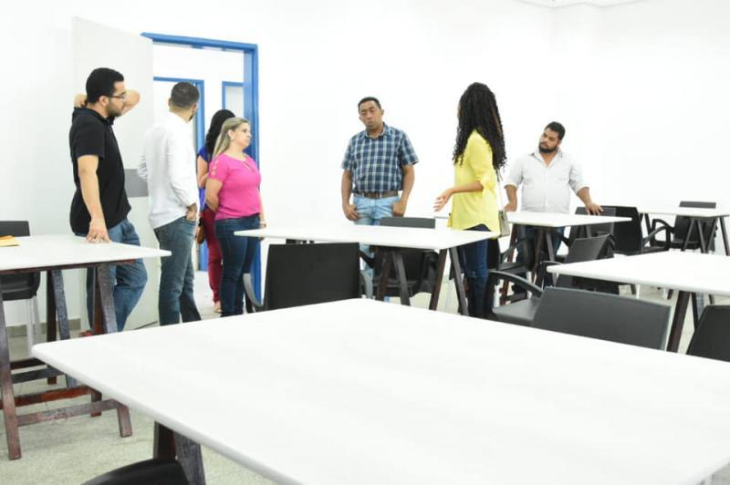 Prefeito Joel Rodrigues visita obras do CEU