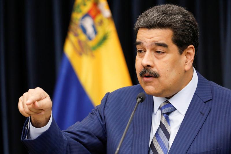 Maduro denuncia plano 'terrorista' dos EUA e Brasil para matá-lo