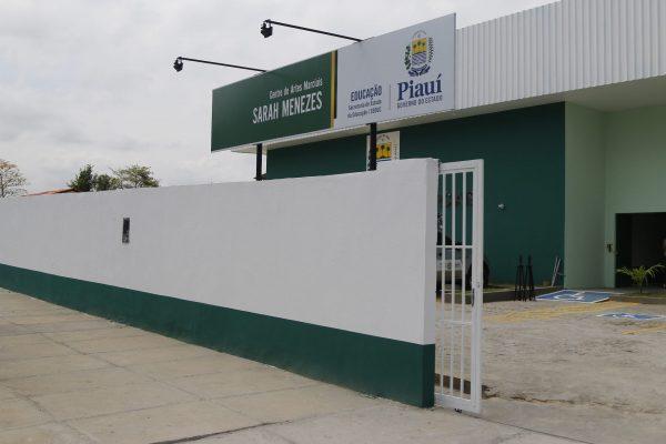 Centro Sarah Menezes realiza outorga de faixa a crianças e adolescentes