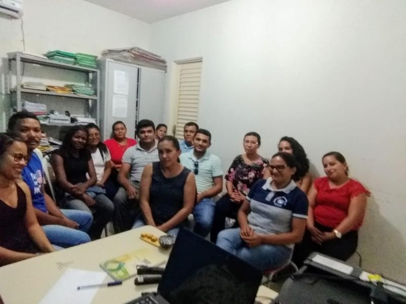 Docentes da EJA reúnem com secretario de educação em Campo Largo-PI