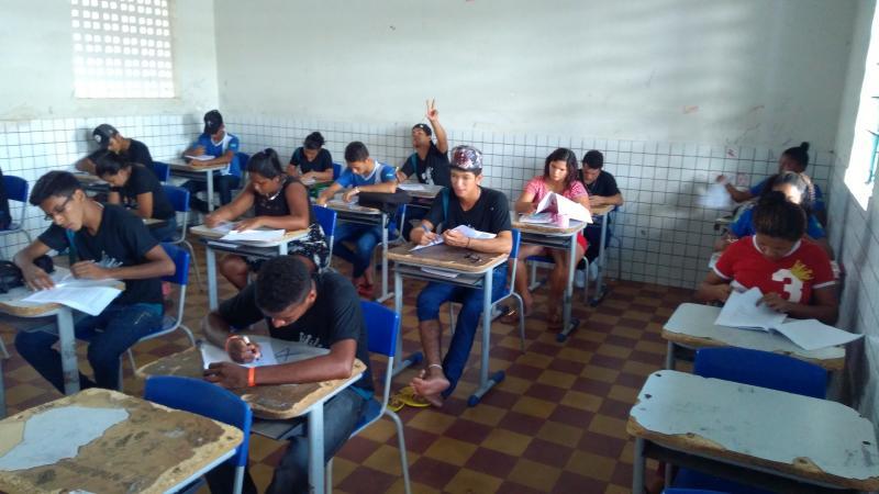 Tensão no último Provão por alunos da UESJ em Campo Largo-PI