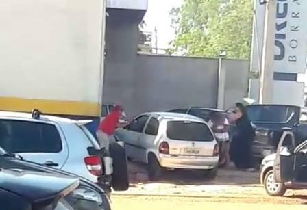 Policial atira em pai que esfaqueava filha de 2 anos