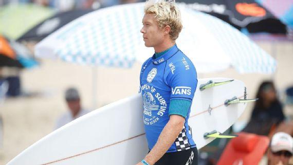 Surfista havaiano troca socos com brasileiro em transmissão ao vivo