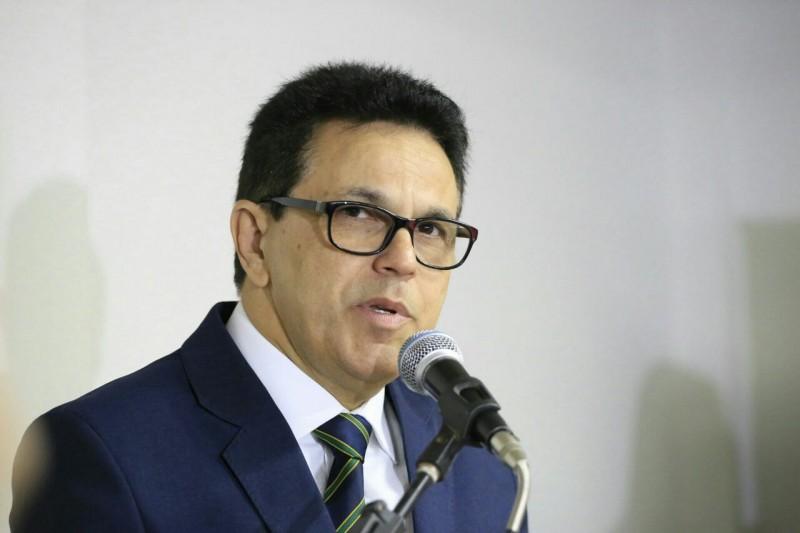 Zé Santana assume mandato de senador nesta sexta-feira