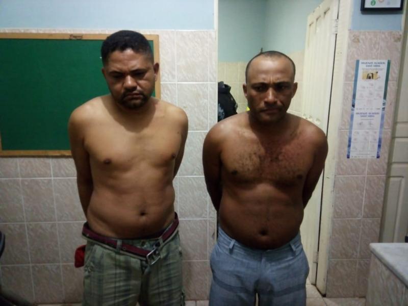 Irmãos são presos por tráfico de drogas em Floresta do Piauí