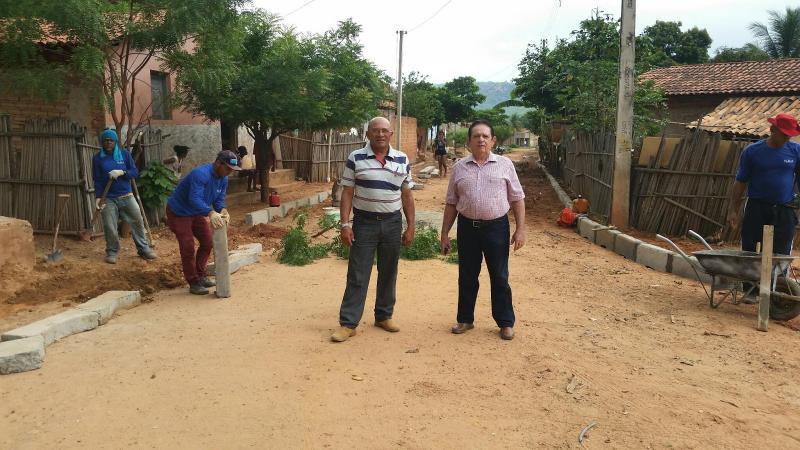 Prefeito Dr.Wagner Coelho visita e acompanha de perto  obras que vem sendo realizadas na cidade.