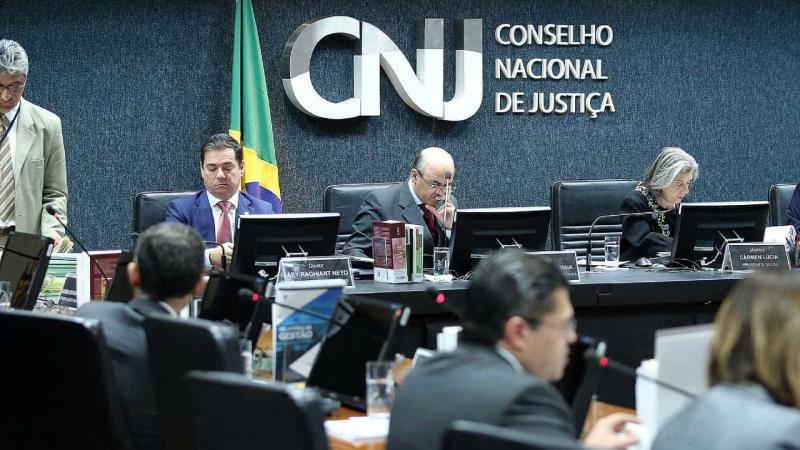 Conselho discute liberar auxílio-moradia para juízes nesta terça