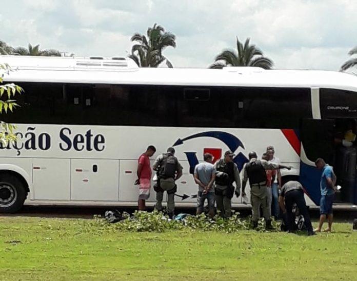 Passageiro é preso com drogas dentro de ônibus no Piauí
