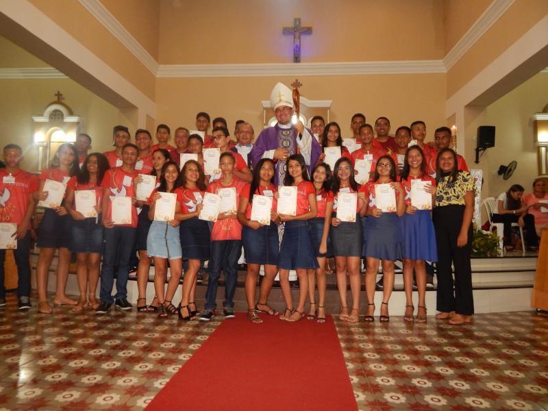 Paróquia de São Benedito realiza Crisma com quase 100 jovens em Beneditinos