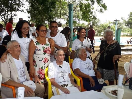 Encontro de gerações da Família Brito em Colônia do Gurgueia