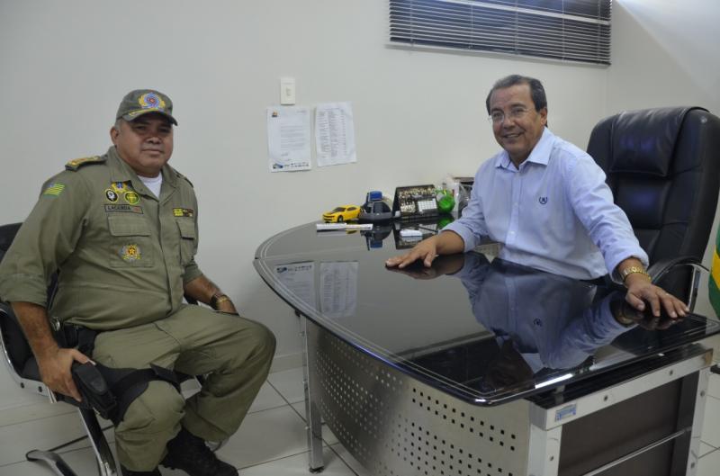 Prefeito de Água Branca e comandante do 18º BPM discutem Plano de Segurança