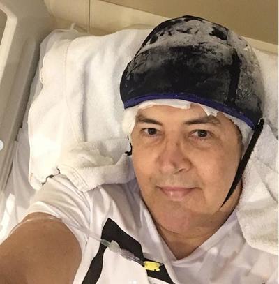 Beto Barbosa faz primeiro show após tratamento contra o câncer
