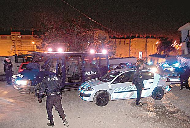 Brasileira é morta por engano pela polícia em Portugal