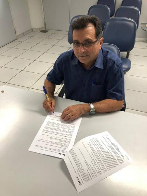 Prefeito assina convênio para a construção de ginásio poliesportivo
