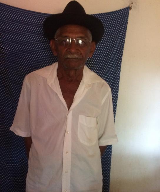 Aposentado Ciro comemora seu aniversário de 75 anos com  familias e amigos