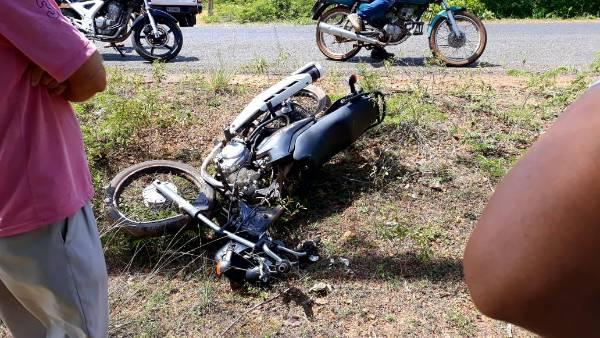 Idosa morre e radialista fica ferido após acidente da PI-115