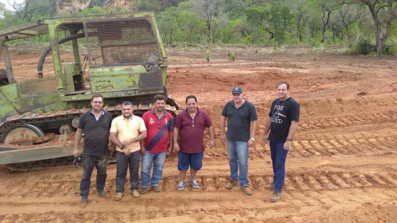 Prefeito Carlos Braga acompanha obras de recuperação de estradas e abertura de poços