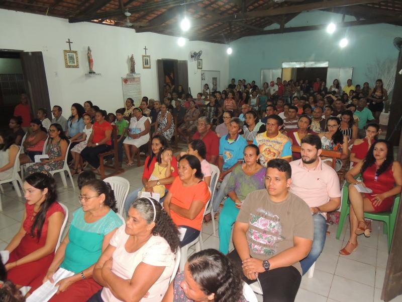 Fiéis na Santa Missa do Galo capela N. Sra. Aparecida (Foto: RF Fotografias)
