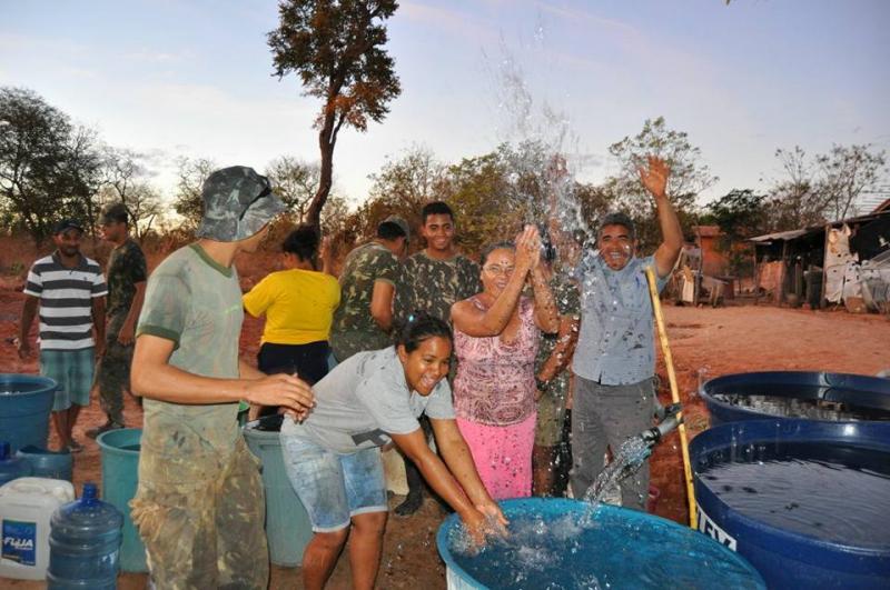 """Programa """"Água Corrente"""" leva água a comunidades rurais"""
