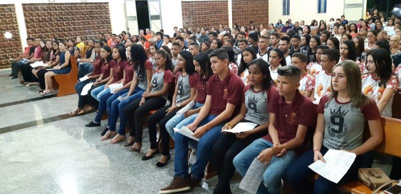 Formandos participam de missa de ação de graças em São João do Arraial