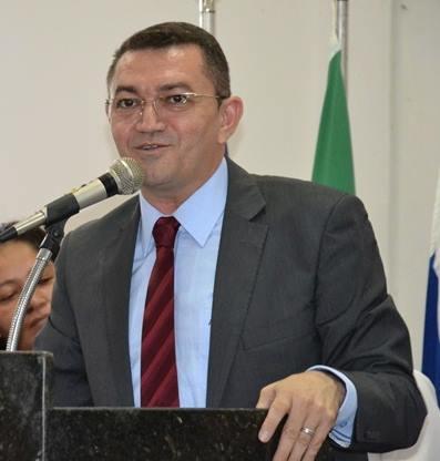Prefeito do PI contrata empresa do CE sem licitação para realizar Réveillon
