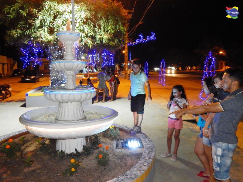 Praça dos Paraibanos vira ponto de encontro de famílias e amigos