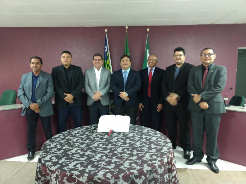 Posse do novo presidente e da nova mesa diretora da câmara mun. de Demerval Lobão